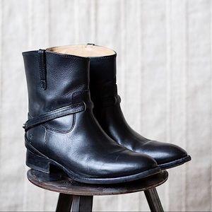 Frye Lindsay Plate Short Ankle Boot Black